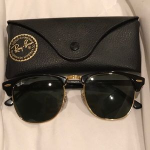 Rayban Clubmaster Classic!
